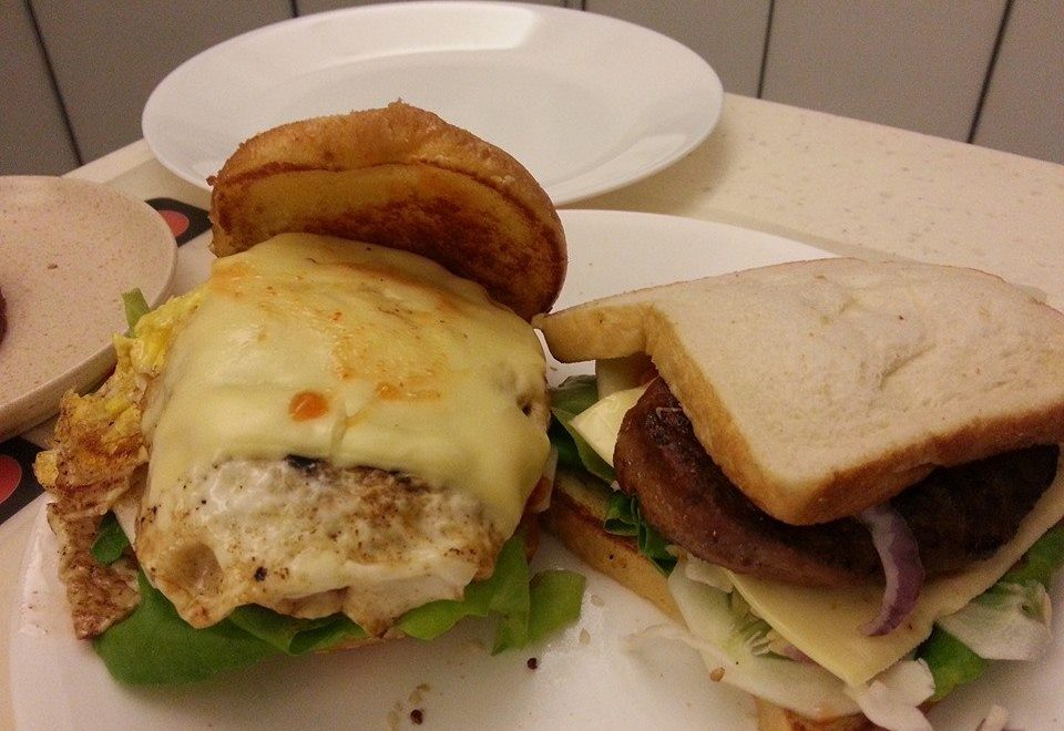Wordless Wednesday, Homemade Burger , Wordless Wednesday - Homemade Burger , Wednesday , Burger