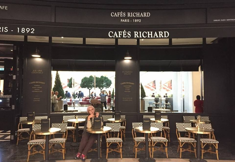Rasai Sentuhan Paris Di Cafes Richard Sky Avenue